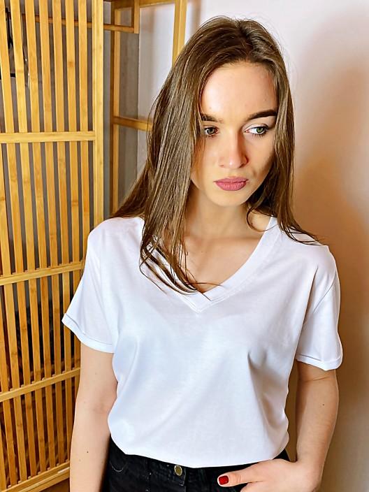 T-shirt damski biały v-neck bawełniany polskiej produkcji by Belotta